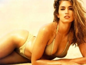 b267d09f0a474751a0a67b08e7faab0bCindyCrawford 300x225 How To Lose Belly Fat Naturally