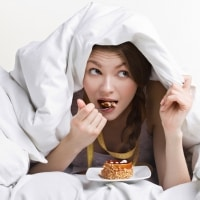 Is It Bad To Eat Before Bed? (#1 Food To Eat Before Sleep To Lose Weight)