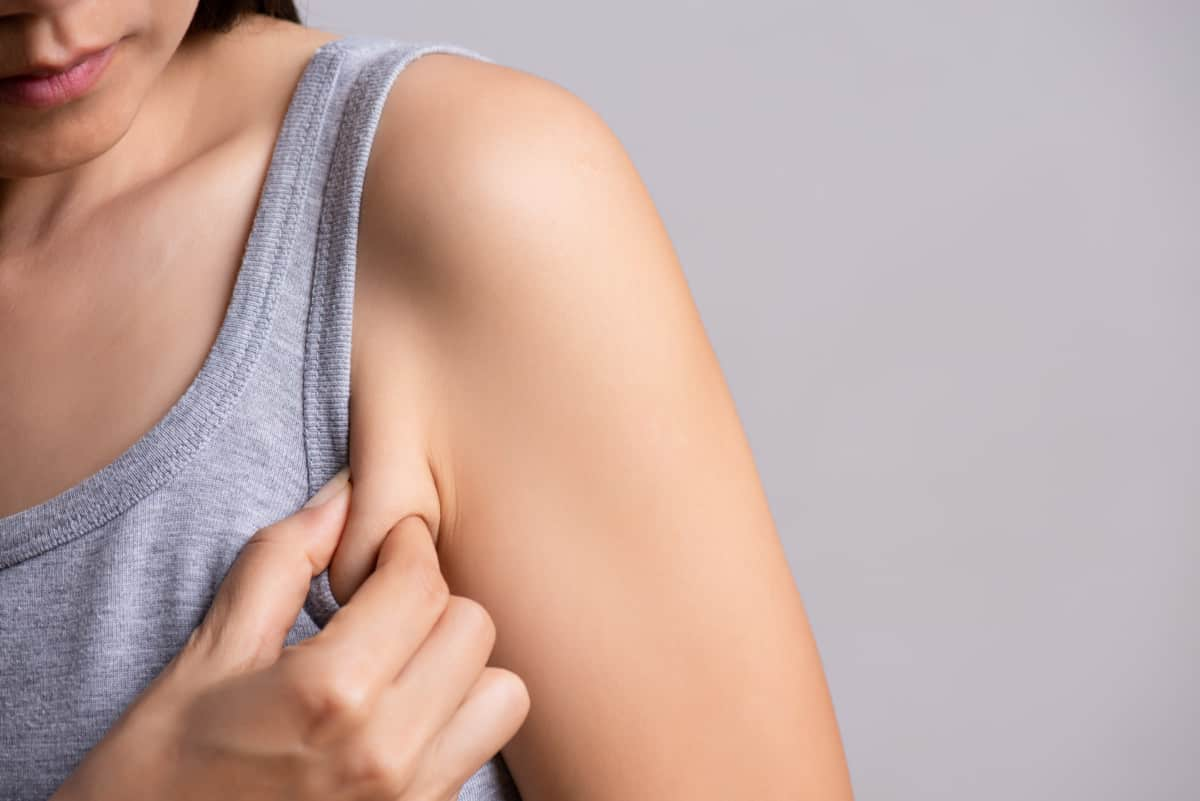Side Boob Fat? 11 Best Exercises to Get Rid of It