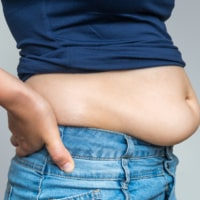 How to Get Rid of Hanging Belly Fat (Without Surgery)